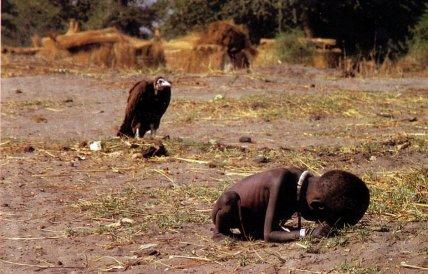 Criança sudanesa que deu Pulitzer ao fotógrafo Kevin Carter