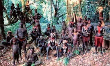 Grupo Jarawa, uma das tribus pigméias das Ilhas Andamã, Índia