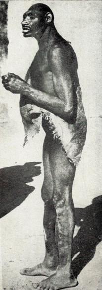 Homem de Neandertal vivendo no Marrocos (meados de do séc. XX)