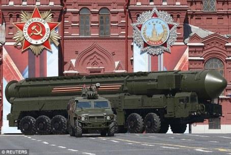 05-exibicao-do-poderio-militar-russo-na-praca-vermelha-em-moscovo